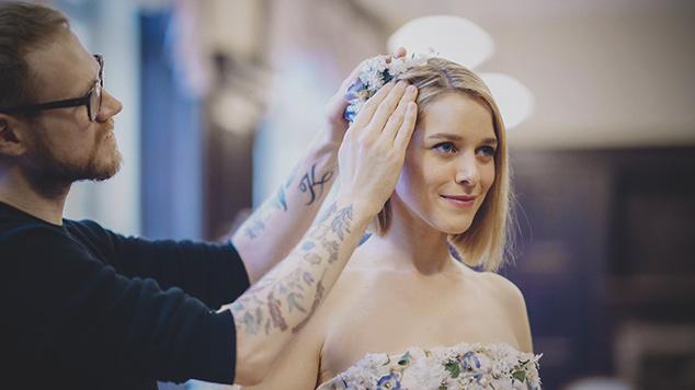 """Mariella Gittler als Braut in der ORF-Dok1 """"Hochzeitswahn"""""""